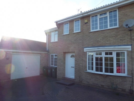 10 DOYLE CLOSE LOUGHBOROUGH LEICESTERSHIRE